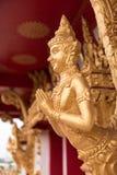 Estatua de oro tailandesa del guarda Foto de archivo libre de regalías