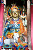 Estatua de Padmasambhava en el monasterio de Hemis, Leh-Ladakh, la India fotografía de archivo