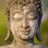 Estatua de piedra de la cabeza de Buda foto de archivo libre de regalías