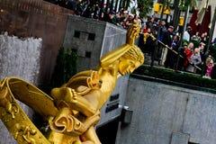 Estatua de PROMETHEUS en el centro de Rockefeller, NYC Imagen de archivo