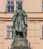 Estatua de rey Charles IV en Praga Foto de archivo