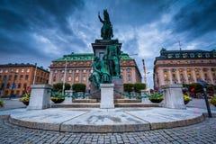 Estatua de rey Gustav II Adolfo en el torg de Gustav Adolf en Norrmal Foto de archivo