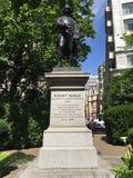 Estatua de Robert Raikes fotografía de archivo libre de regalías