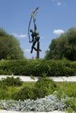 Estatua de Rocket Thrower en Flushing Meadows Corona Park, Queens foto de archivo libre de regalías