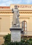 Estatua de S Antonino Abbate, santo patrón de Sorrento, Italia Foto de archivo