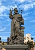 Estatua de S Antonino Abbate, santo patrón de Sorrento, Italia Imagen de archivo