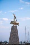 Estatua de San Nicolás en la ciudad vieja de Nessebar imagen de archivo libre de regalías