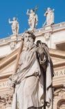 Estatua de San Pablo en Vatican Imágenes de archivo libres de regalías