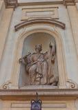 Estatua de San Pedro de la iglesia cruzada santa en Varsovia, Polonia Imagen de archivo libre de regalías