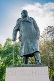 Estatua de Sir Winston Churchill en Westminster Foto de archivo libre de regalías