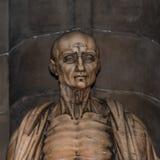 Estatua de St Bartholomew en la catedral de Milano, Duomo, Italia foto de archivo libre de regalías