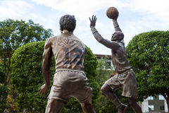 Estatua de Stockton y de Malone foto de archivo