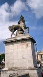 Estatua de Stree de la ciudad en París fotos de archivo libres de regalías