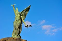 Estatua de un ángel femenino Imagen de archivo