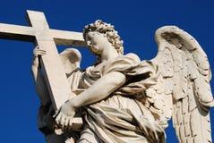 Estatua de un ángel, puente del ángel del santo, Roma foto de archivo
