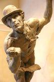Estatua de un artista de sexo masculino del circo Imagen de archivo libre de regalías