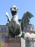 Estatua de un dragón en bronce Imagenes de archivo