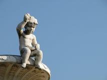 Estatua de un niño foto de archivo libre de regalías