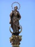 Estatua de un santo imagen de archivo libre de regalías