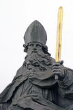 Estatua de un santo cristiano Imágenes de archivo libres de regalías