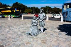 Estatua de vida - dos personas de plata en Viena imagen de archivo libre de regalías