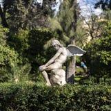 Estatua del ángel en el jardín Fotos de archivo libres de regalías
