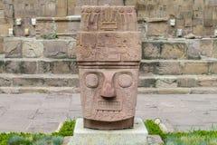 Estatua del ídolo de Tiwanaku imágenes de archivo libres de regalías