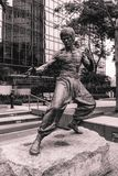 Estatua del actor Bruce Lee de la película del kung-fu en Hong Kong China imagenes de archivo