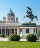 Estatua del archiduque Charles y museo de la bóveda de Art History, Viena, Austria Fotos de archivo libres de regalías