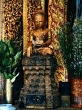 Estatua del bebé Buda en la pagoda, paya, lago Birmania, Myanmar Inle Imagen de archivo libre de regalías