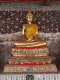 Estatua del bouddha de Buda en oro Imagenes de archivo