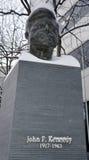 Estatua del bronce de JFK foto de archivo