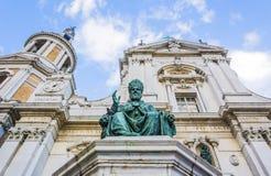 Estatua del bronce de Sixto V en Loreto, Italia imágenes de archivo libres de regalías