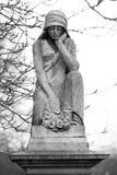 Estatua del cementerio foto de archivo libre de regalías