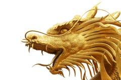 Estatua del dragón del oro en templo chino fotografía de archivo