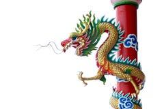 Estatua del dragón en pilares. Foto de archivo