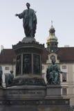 Estatua del emperador Francisco I en el patio del palacio de Amalienburg Foto de archivo libre de regalías