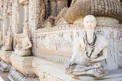 Estatua del ermitaño en el templo Imagen de archivo libre de regalías