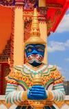 Estatua del guarda en el templo Imágenes de archivo libres de regalías