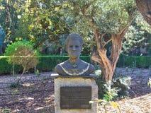 Estatua del homa de Catalina de la mujer en Valldemosa imagenes de archivo