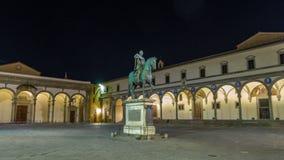 Estatua del hyperlapse del timelapse de Fernando I de Medici en el della Santissima Annunziata de la plaza en Florencia, Italia metrajes