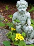 Estatua del jardín fotos de archivo