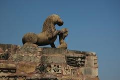 Estatua del león en Khajuraho Imagen de archivo libre de regalías