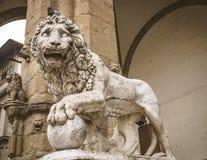 Estatua del león en la plaza Della Signoria, Florencia Foto de archivo