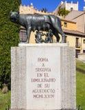 Estatua del lobo de Capitoline en Segovia, España Foto de archivo