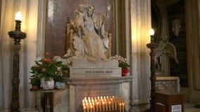 Estatua del madonna y del niño en el maggiore de Santa María de la basílica, Roma almacen de video