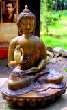 Estatua del metal de Buda Imágenes de archivo libres de regalías