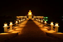 Estatua del monje del oro Fotografía de archivo
