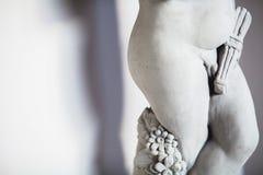 Estatua del muchacho del penus Fotos de archivo