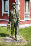 Estatua del nómada en Cangas de Onis, Asturias Fotos de archivo
